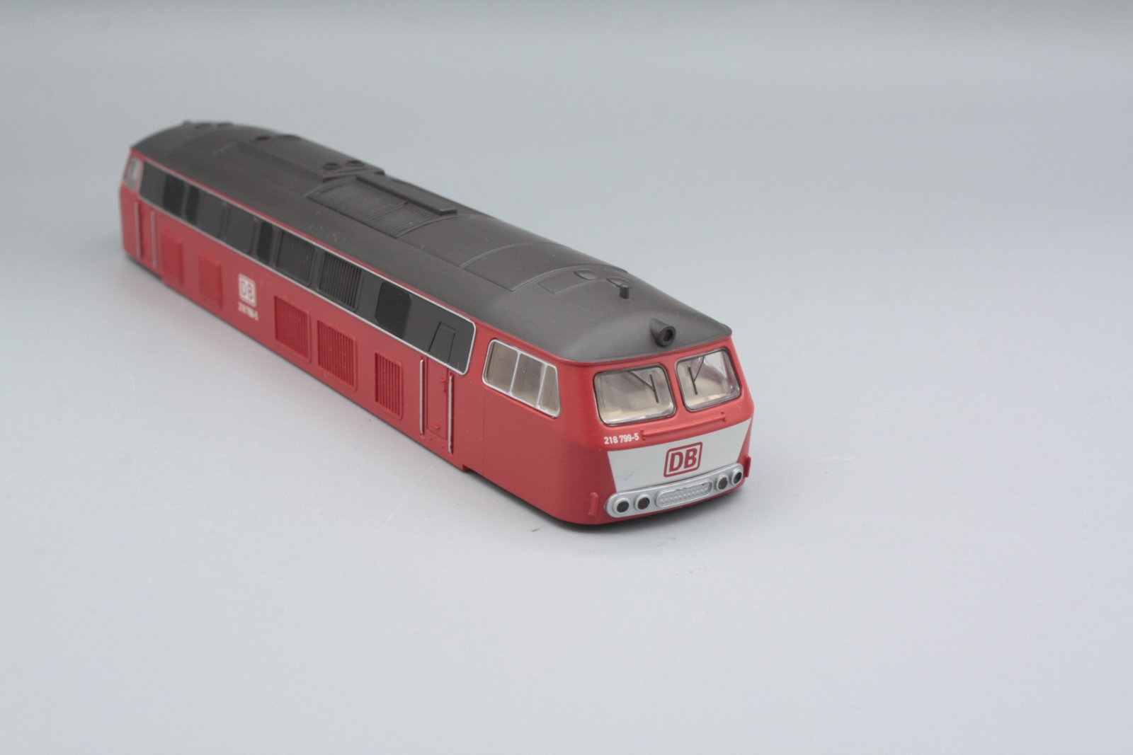 Ersatzteil Piko 218 799-5 Gehäuse orientrot DB mit Latz