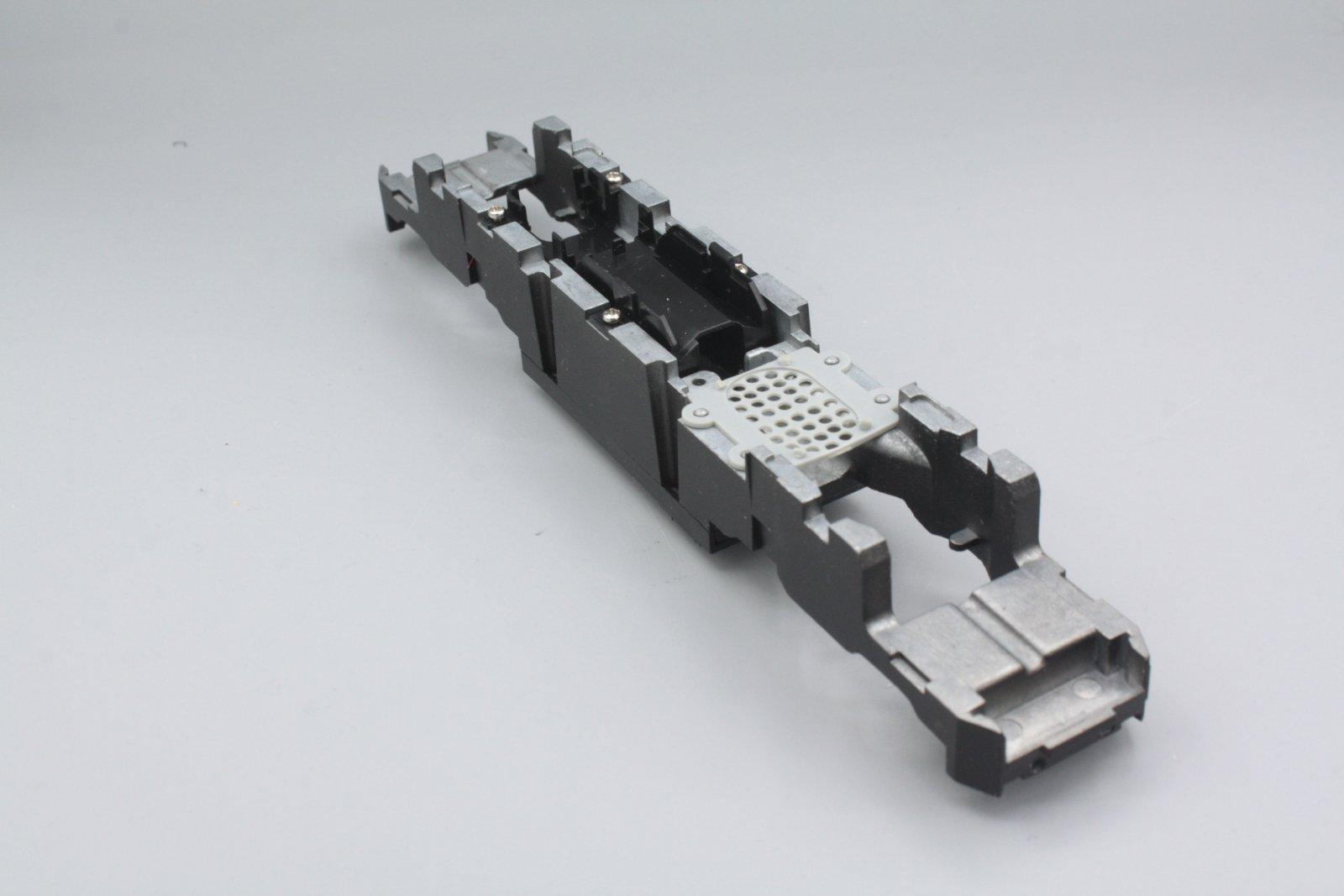 Ersatzteil Piko BR 101 Rahmen mit Motorhalter Ellok H0 Piko mit Batteriekasten