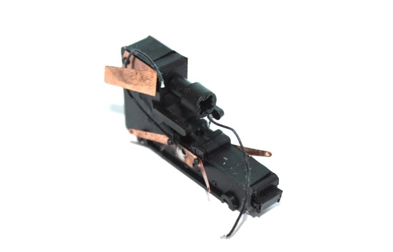 Ersatzteil Roco 215 / 218 Getriebe mittige Zahnräder geradeverz. rot/gelb -Var.2