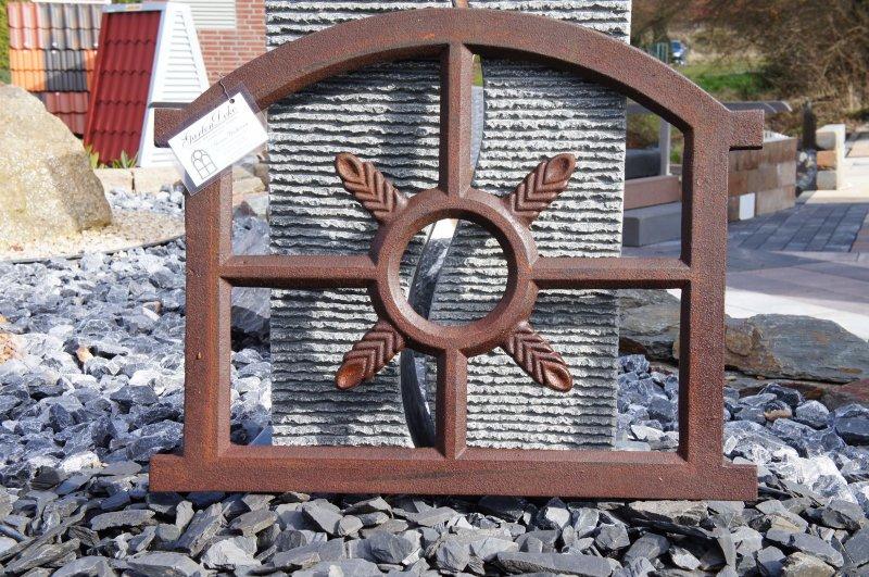 Verziertes Halbrundes Gussfenster Stallfenster    68cm x 34cm