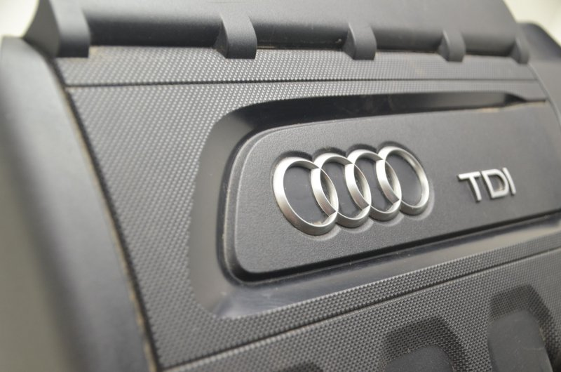 Audi A3 8V Q2 GA Q3 F30 Motorabdeckung TDI Abdeckung Saugrohr Motor 04L103925R