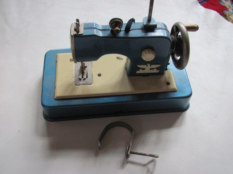 casige kindern hmaschine blechspielzeug ovp ebay. Black Bedroom Furniture Sets. Home Design Ideas