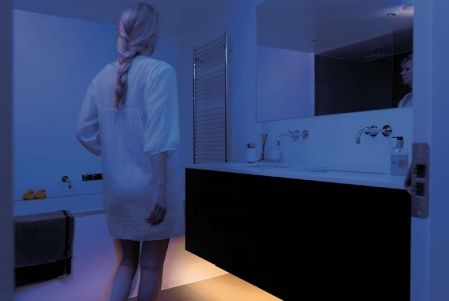 LED Bettlicht - stufenlos dimmbares Nachtlicht mit Bewegungsmelder ...