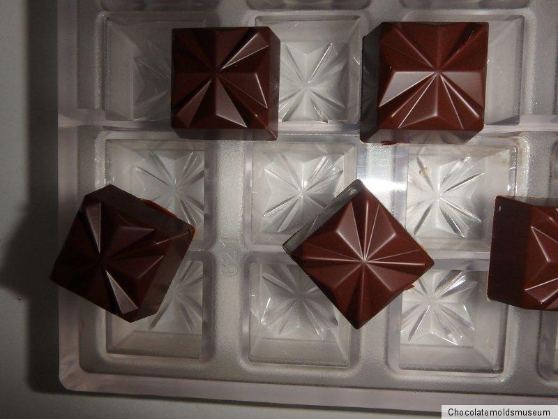 SCHOKOLADENFORM 4 x 8 WEIHNACHTSFIGUREN NEW chocolate mold CHRISTMAS # 634 NEU