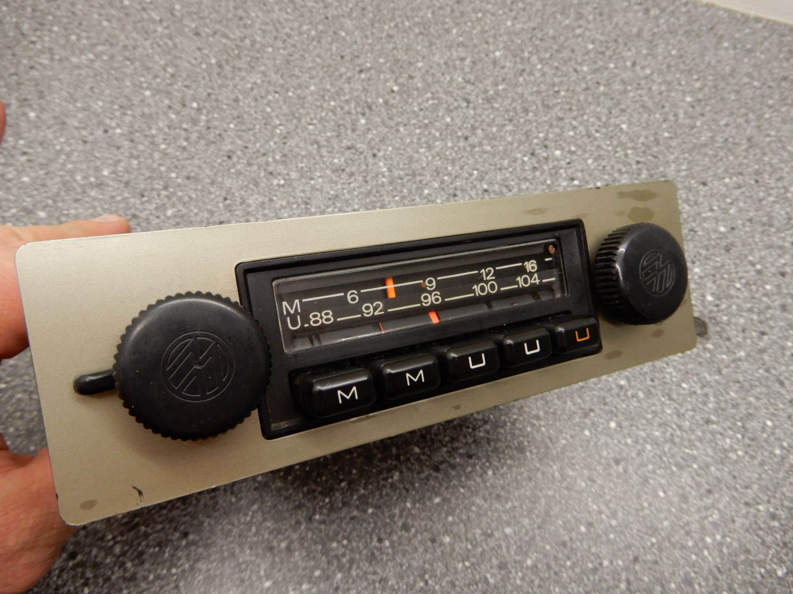 blaupunkt emden oldtimer radio autoradio f r vw k fer oldtimerradio rarit t ebay. Black Bedroom Furniture Sets. Home Design Ideas