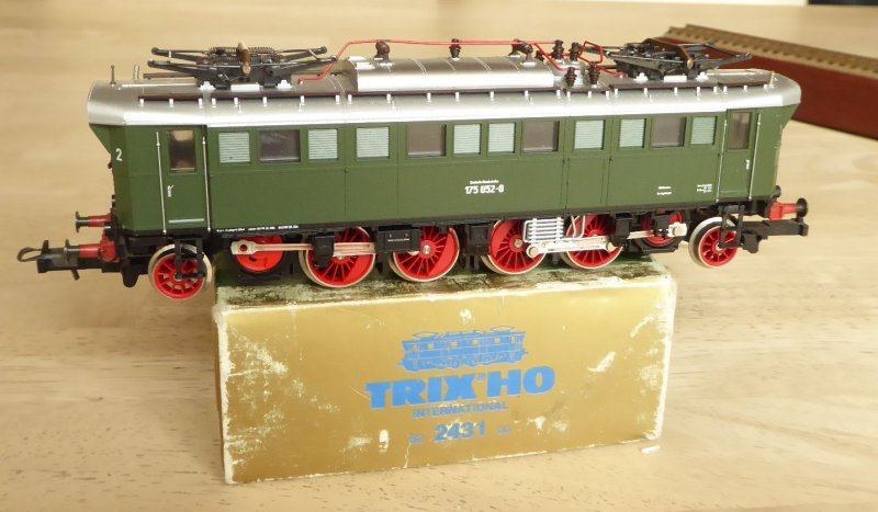 Details about Trix 2431 Altbau Electric Locomotive Br 175 052-0 DB Ep 4  Little Used Boxed,Ex E