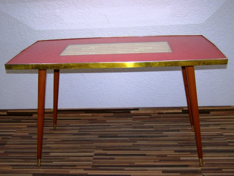 Alter stubentisch tisch kult retro design 70er jahre for Design tisch 70er