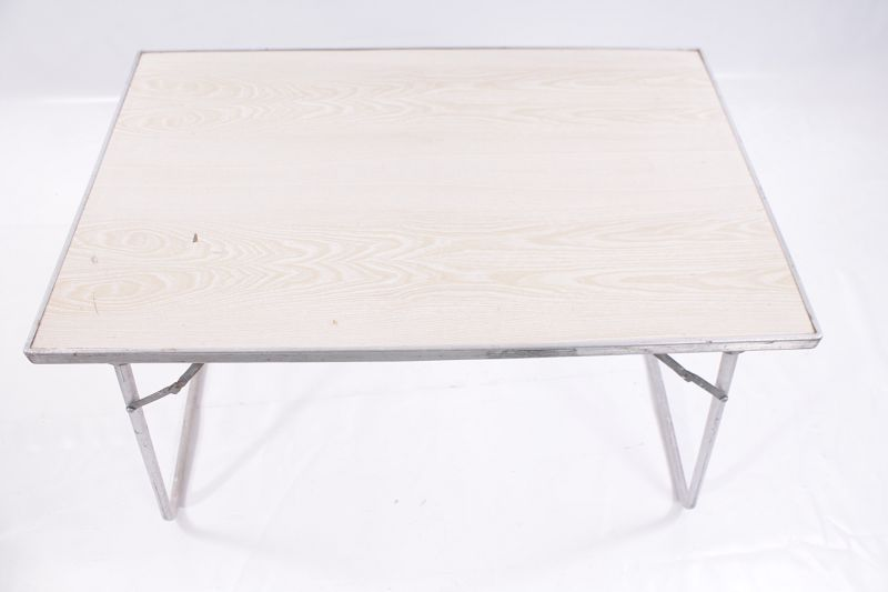 Beau grand ancien table de jardin pliante table de terrasse table ddr ebay for Table de terrasse pliante