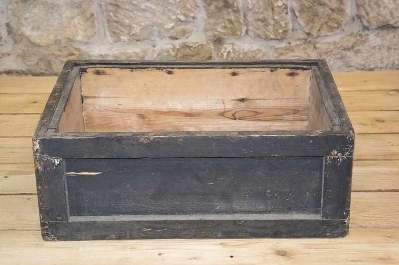 beau ancienne caisse en bois caisse bois pulverkasten 88. Black Bedroom Furniture Sets. Home Design Ideas