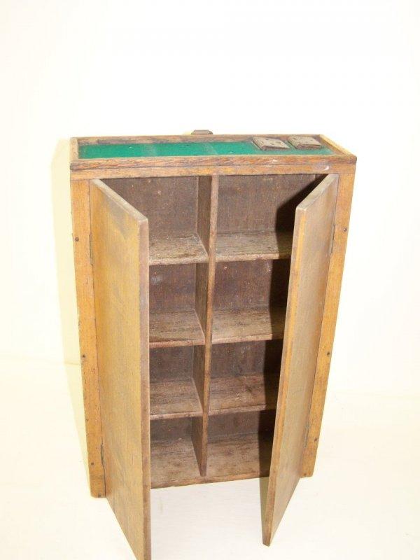 petit vieux armoire en bois armoire murale art d co. Black Bedroom Furniture Sets. Home Design Ideas