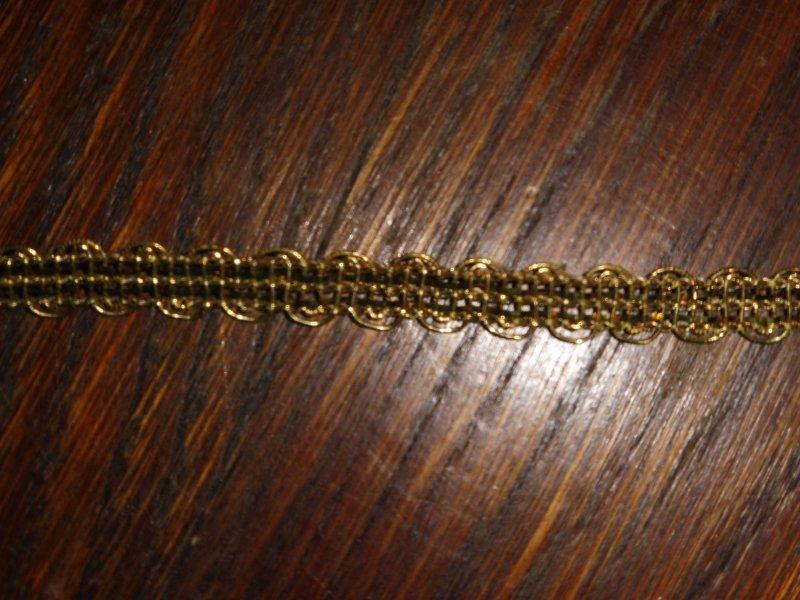0,67€//m 1cm 50m auf einer Pappe Höhe ca alte goldene Borte Metallborte