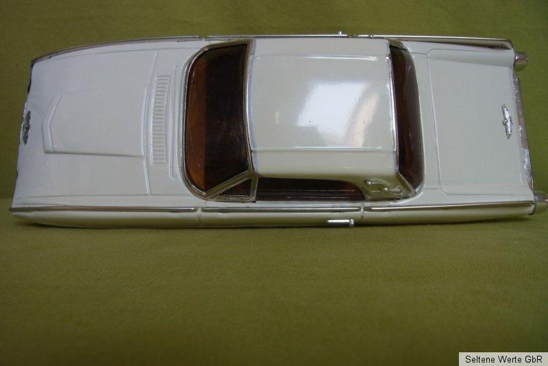 OVP Modellauto Sedan MF 203 Creme//Weiß T-Bird Antikes Blechspielzeug