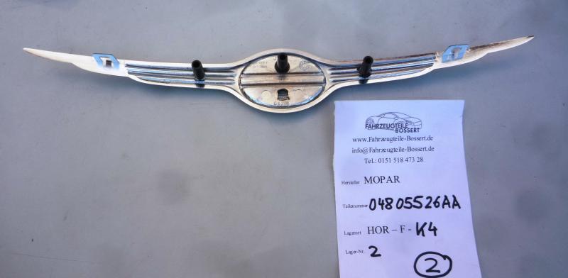 Emblem Ornament Zeichen Kühlergrill Frontgrill Chrysler Sebring 03-04 04805526AA
