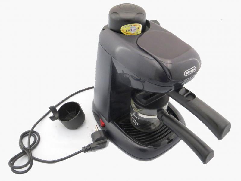 delonghi espressomaschine milchaufsch umer neuwertig kaffeemaschine siebtr ger ebay. Black Bedroom Furniture Sets. Home Design Ideas