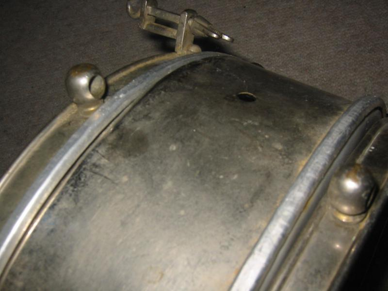 very old snare drum with a metal body ebay. Black Bedroom Furniture Sets. Home Design Ideas